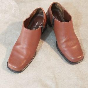 Laura Scott size 6M brown leather half boot
